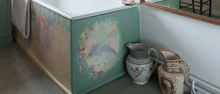 bath murals painted by Caroline Ede at RoughAcre Bed and Breakfast and Workshops in Herefordshire.